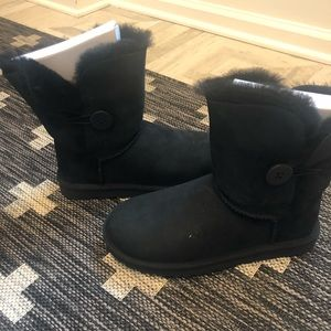 Ugg Bailey Boot with Button